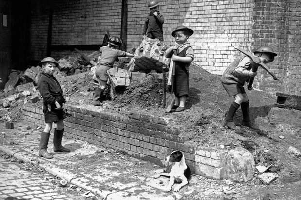 """An Extremely Exciting Time"""": children's positive experiences in Second World War Britain"""